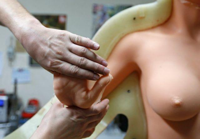 圖解性愛娃娃的製作過程!你是不是躍躍欲試了呢?