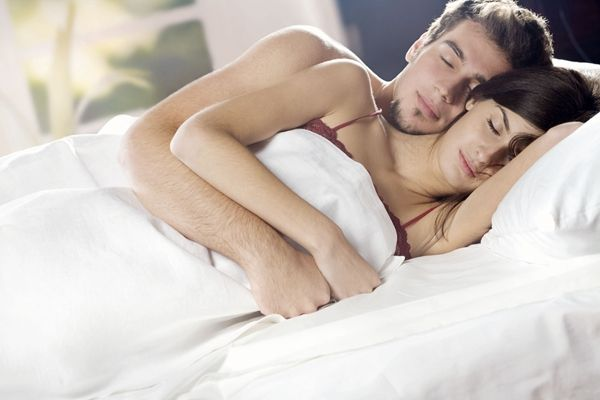 夫妻/情侶的睡姿反應兩人的感情狀態,你們是屬於哪種?