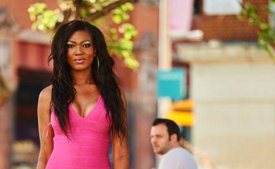 牙買加變性美女身高2米 嚇退追求者
