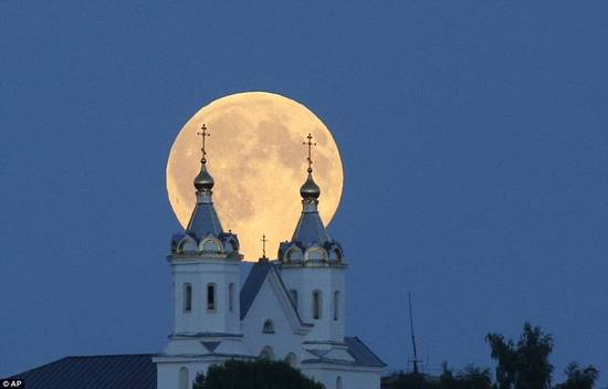 攝影師拍攝到的全球各地超級月亮