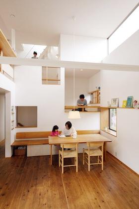 木造3階建ての家