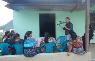 Christopher Bielecki trains women in rural Guatemala to use disposable cameras. Image: Provided by Christopher Bielecki.