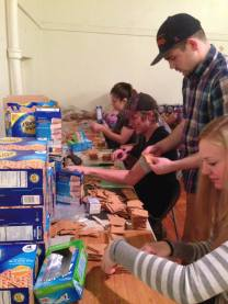 Alpha Gamma Delta, Sigma Nu and Pi Beta Phi put together some Gingerbread making kits for the community!