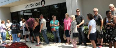 Lines of Orlando citizens attempting to donate blood