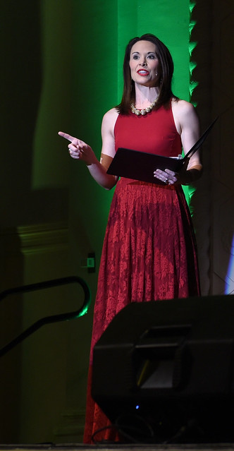 image: Amber Philpott Hill (03), award-winning journalist from WKYT-TV in Lexington, served as emcee for the 2019 Spring Gala.
