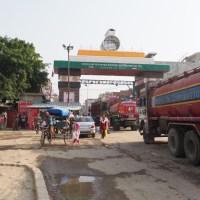 【ネパール>インド】ポカラから国境(スノウリ)を経てインド(ゴーラクプル)へ