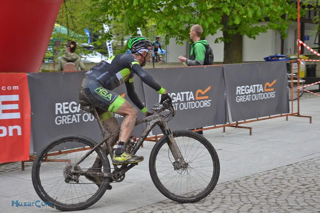 Bartosz Huzarski zaczyna przygodę z kolarstwem górskim
