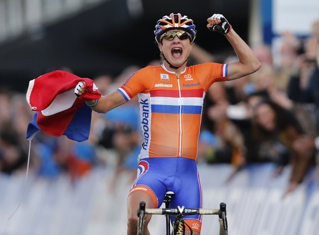 marianne-vos-wins-uci-worlds-2012-elite-women-road-race-3