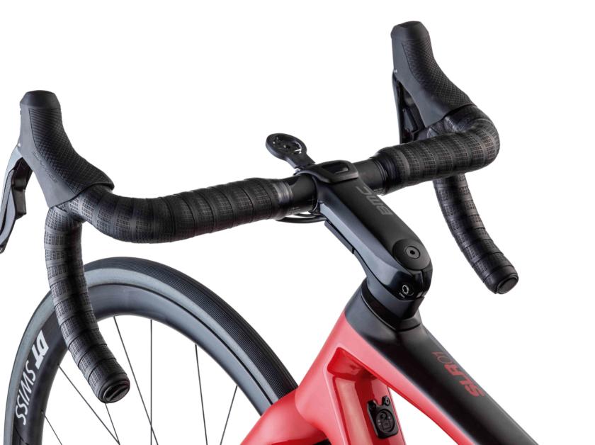Rower szosowy BMC Teammachine SLR01 DISC TEAM 03 (mat. pras.)