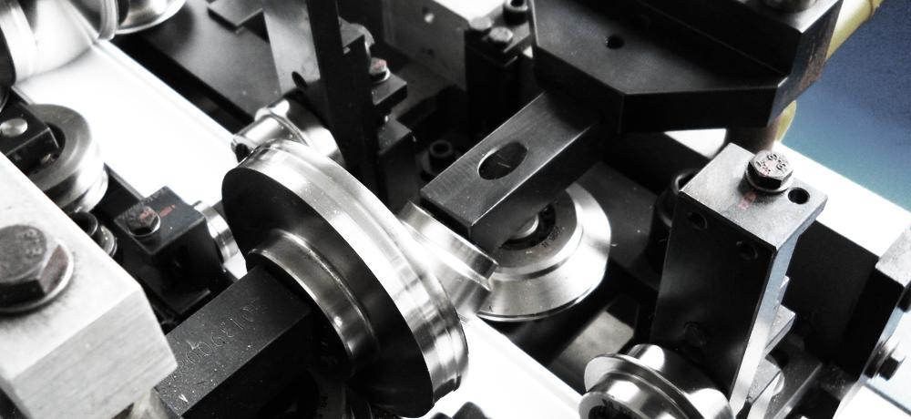 Roll forming machine equipment