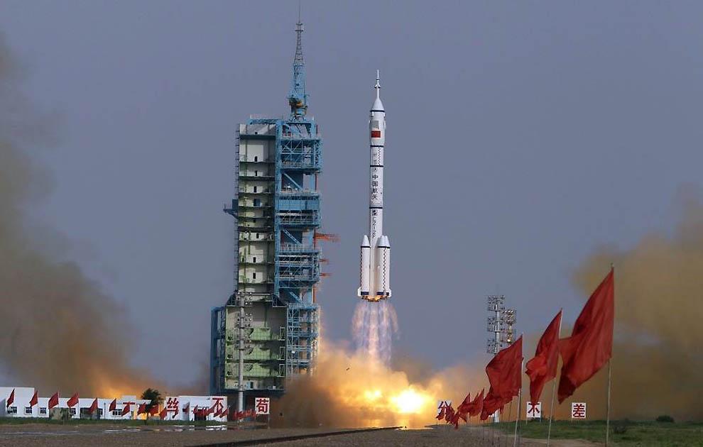12134 Лучшие фотографии на космическую тематику за июнь 2012