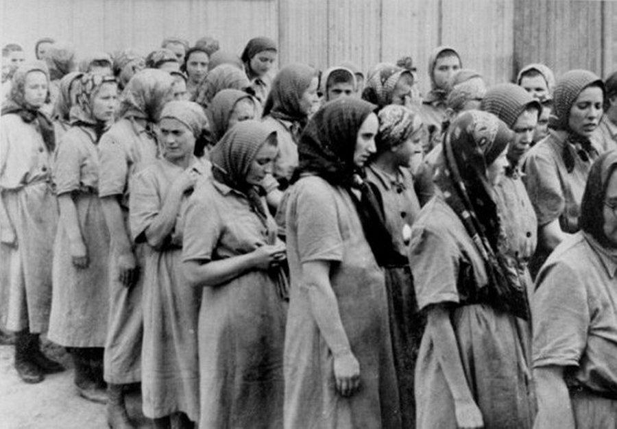 Франциска Манн — смертельный стриптиз в Освенциме