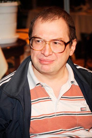 Сергей Мавроди.1955−2018, основатель крупнейшей в истории России финансовой пирамиды МММ (1994−1997)