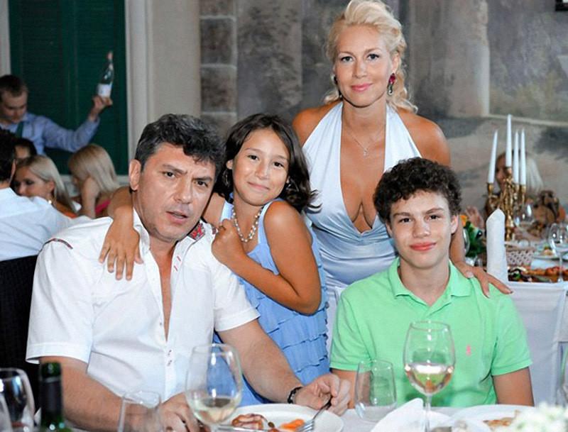 Борис Немцов, Екатерина Одинцова и их дети архив, картинки, фото