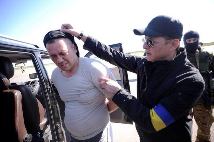 Пытки в плену и превентивный удар по Украине. Интервью первого министра обороны ДНР
