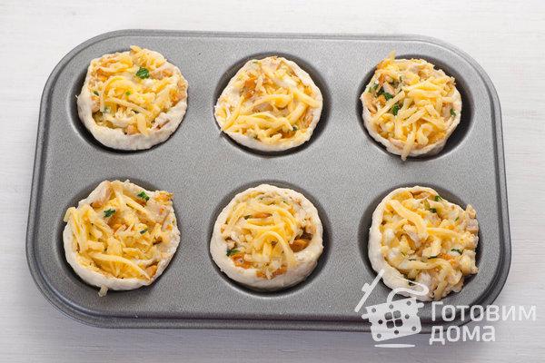 Творожные булочки с курицей и лисичками фото к рецепту 13