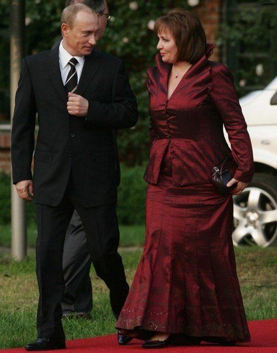 Путин с женой Людмилой. Фото