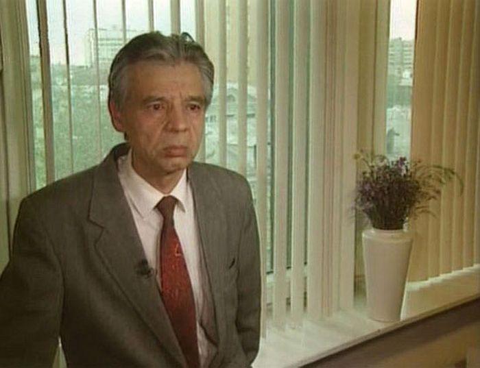 Радик Муратов, кадр из фильма «Чтобы помнили», глава 25 «Станислав Хитров», 1996 год. / Фото: www.kino-teatr.ru