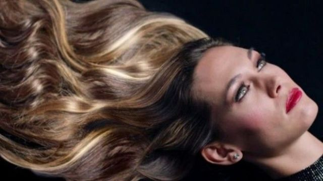SВот как на самом деле снимают рекламу шампуней