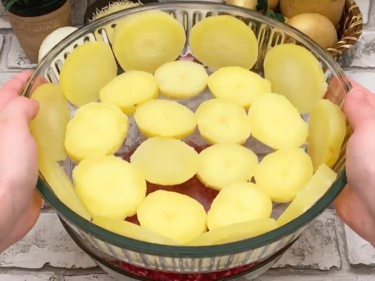 Фрикадельки с картофелем и соусом бешамель: вкусное блюдо в оригинальном исполнении