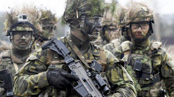 Война на пороге России: Вероятность конфликта с Западом растет