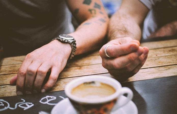 Неловкое молчание при разговоре: как избежать? 10 тем, чтобы заполнить паузы при общении