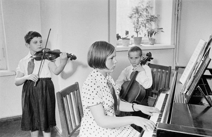 Юные таланты в области музыкального образования.