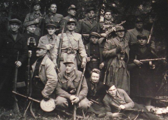 """Трусы, убийцы, мародеры: чем занимались """"лесные братья"""" в Прибалтике"""