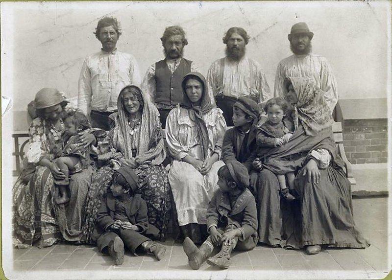 Венгерские цыгане. 1902 год америка, иммигранты, исторические фото, история, остров Эллис, факты