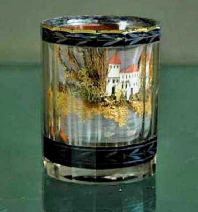 Стакан, хранящийся в Егорьевском художественно-историческом музее