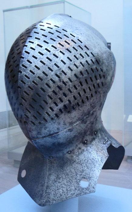 Турнирный шлем сэра Жиля  Капеля