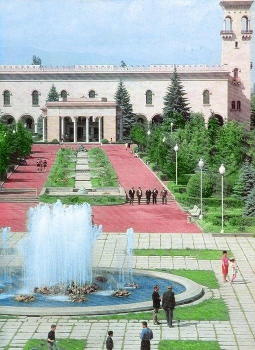 Музей Сталина в Гори./Фото: img-fotki.yandex.ru