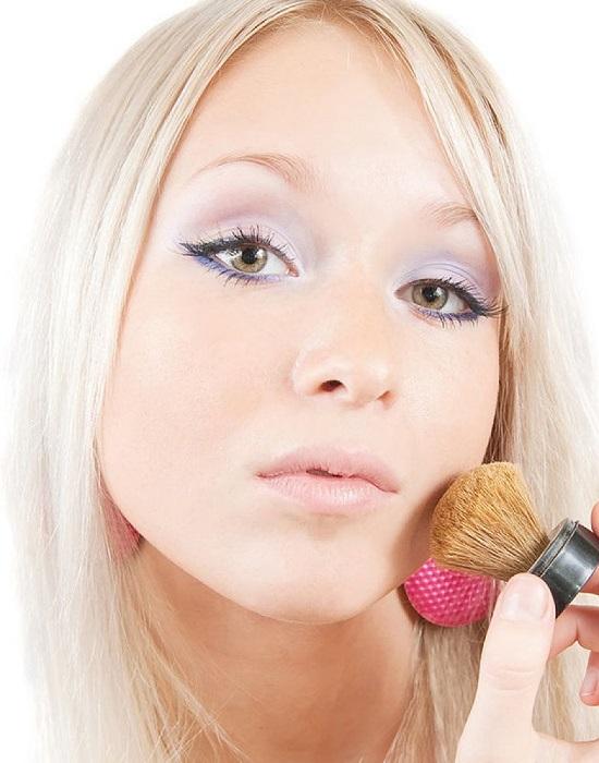 Ошибки в макияже. Перламутровые тени на верхнем и нижнем веке - это моветон
