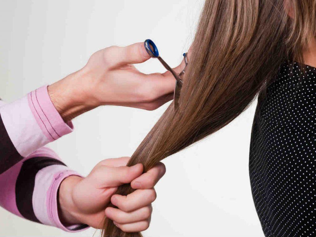 Какие дни благоприятнее всего для стрижки волос в сентябре ...