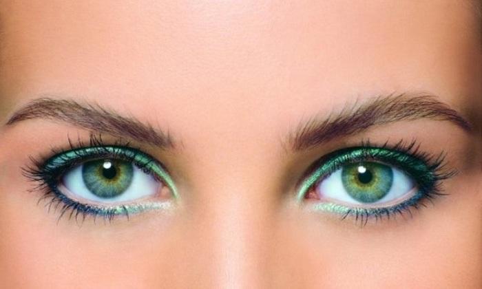 Тени в цвет глаз - большая ошибка современных девушек