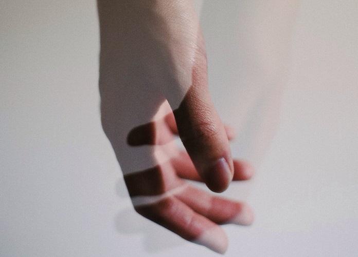 Как пережить утрату близкого человека? Как справиться горем и болью?