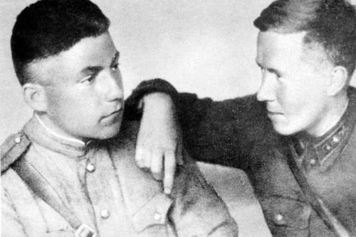 Почему Сталин вернул погоны в 1943 году