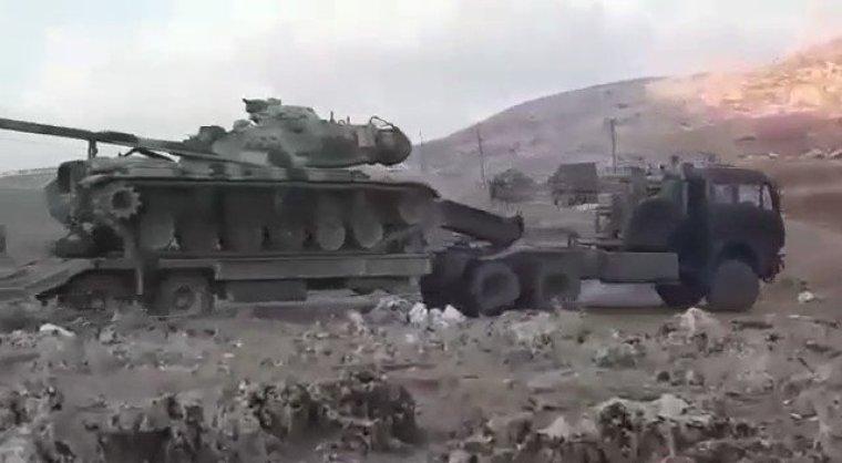 """Турецкие танки остановились в 50 километрах от российской авиабазы """"Хмеймим"""""""