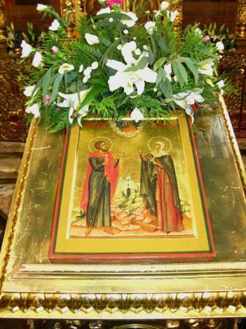 8 сентября - сретение Владимирской иконы Пресвятой Богородицы (1395). Память святых мучеников Адриана и Наталии.