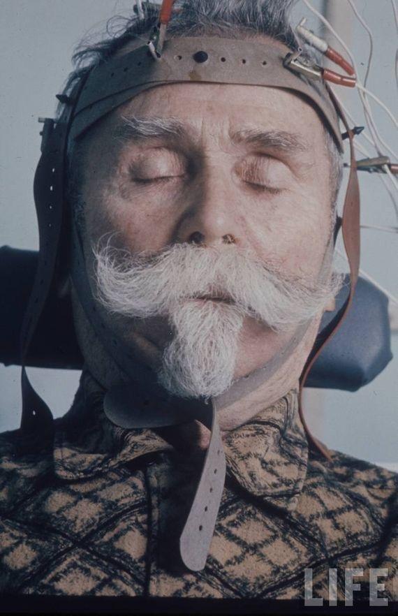 Пожилой участник неврологического исследования, посвященного старению головного мозга. СССР, качество, медицина, фото