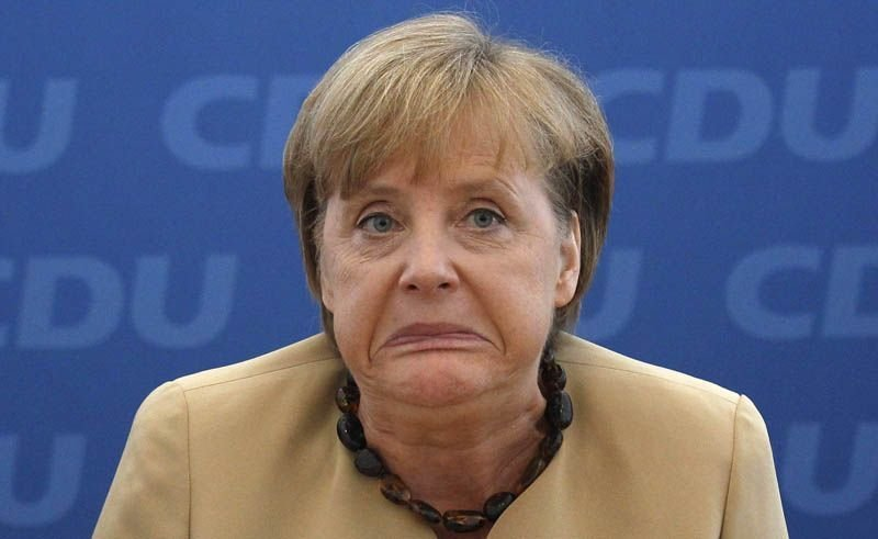 Меркель ткнули носом в «большую ответственность» Германии перед РФ