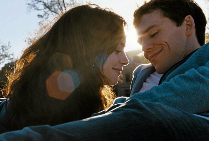 Почему парни встречаются с одними девушками, а женятся на других?