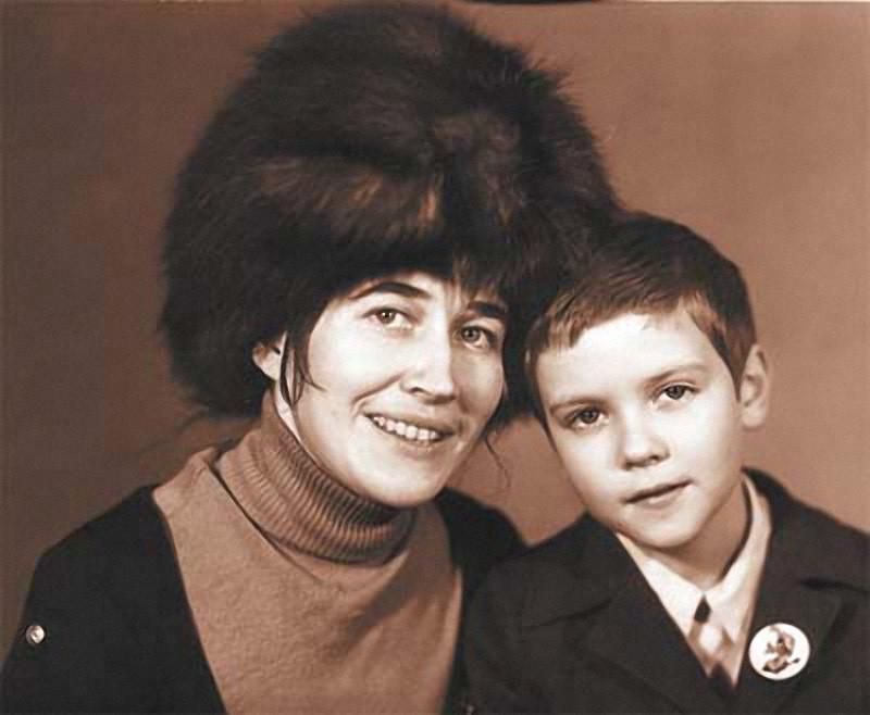 Дмитрий Медведев с мамой архив, картинки, фото