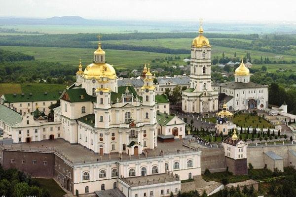 5 августа - Празднование в честь Почаевской иконы Божией Матери (1675).