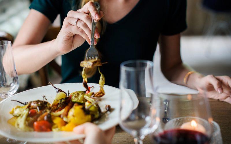 Полезные советы от известного диетолога на случай похода в ресторан с иностранной кухней