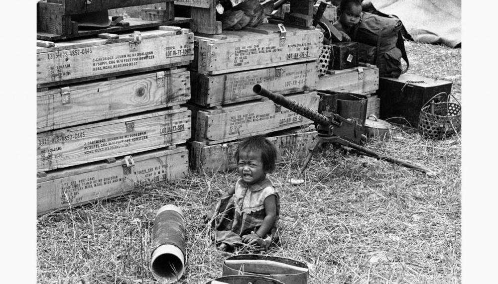 <p>Маленькая Камбоджийская девочка плачет в Пномпене, 24 Марта 1975 </p>