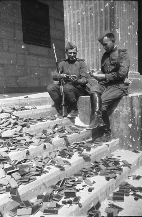 За неделю до капитуляции Германии война, фото, фотокорреспондент