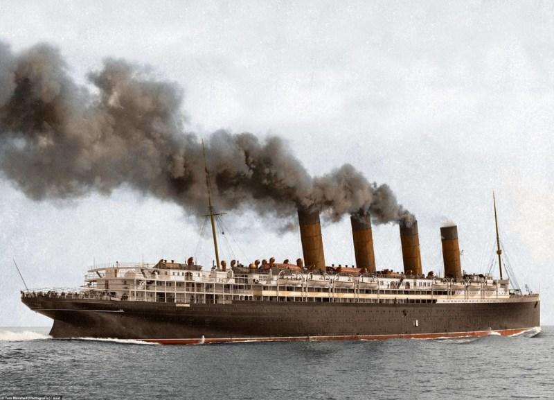 """Британский океанский лайнер """"Лузитания"""", потопленный немецкой подводной лодкой 7 мая 1915 г. архивное фото, колоризация, колоризация фотографий, колоризированные снимки, первая мировая, первая мировая война, фото войны"""