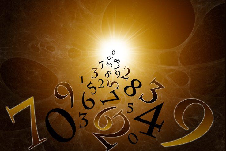 Лженаука? Нумерология, гороскоп, хиромантия и прочая эзотерика - стоит ли верить?