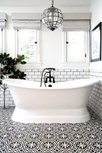 ванная в черно белых тонах
